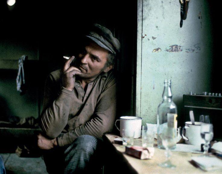Chris Niedenthal, Bieszczady 1979. Smolarz odpoczywa po ciężkiej pracy, fot. materiały promocyjne