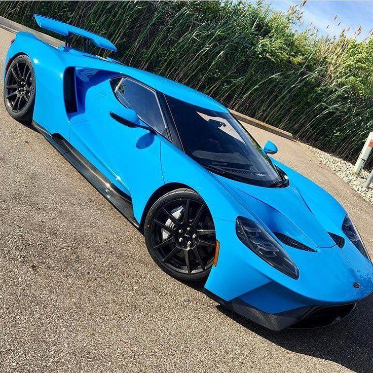Hot Wheels 2018 Exotics 17 FORD GT BLEU