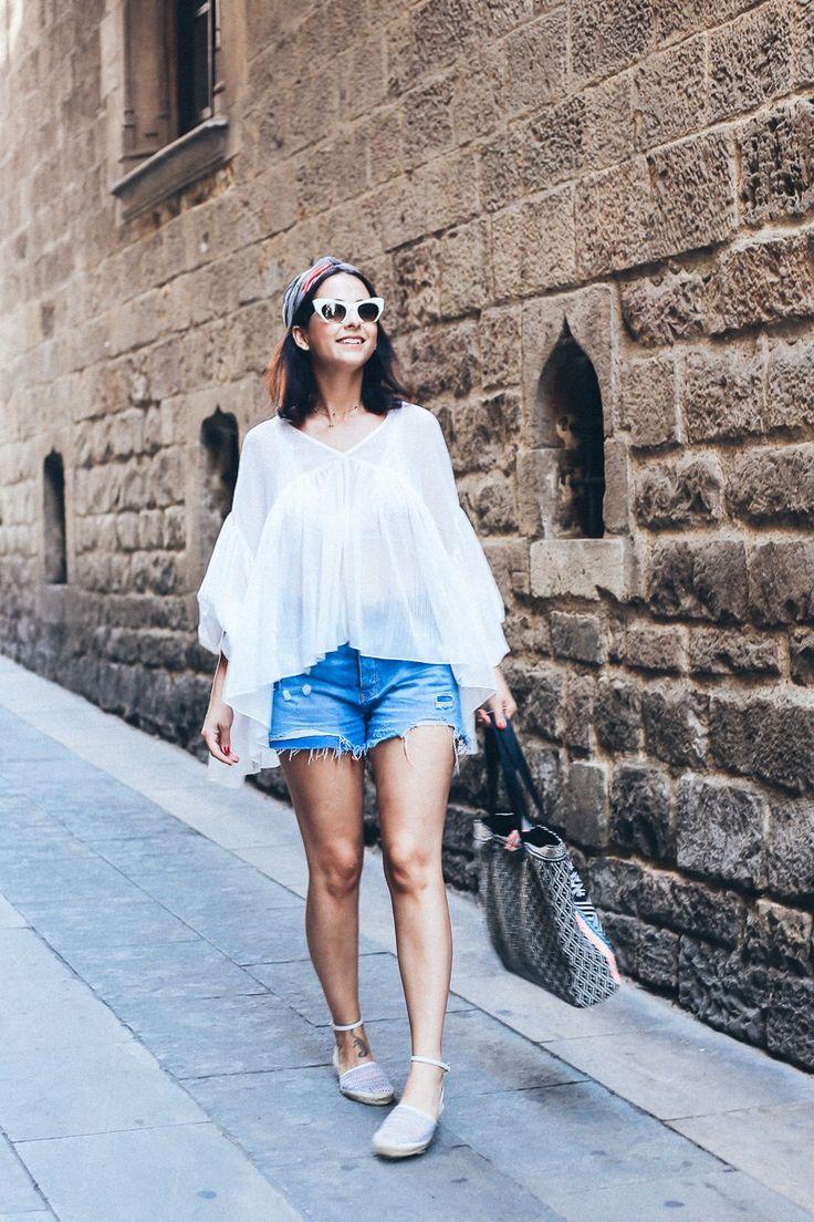 cómo llevar look con blusa blanca de festival extragrande estilo campesino de Lost Ink disponible en Asos styleinlima blog de barcelona