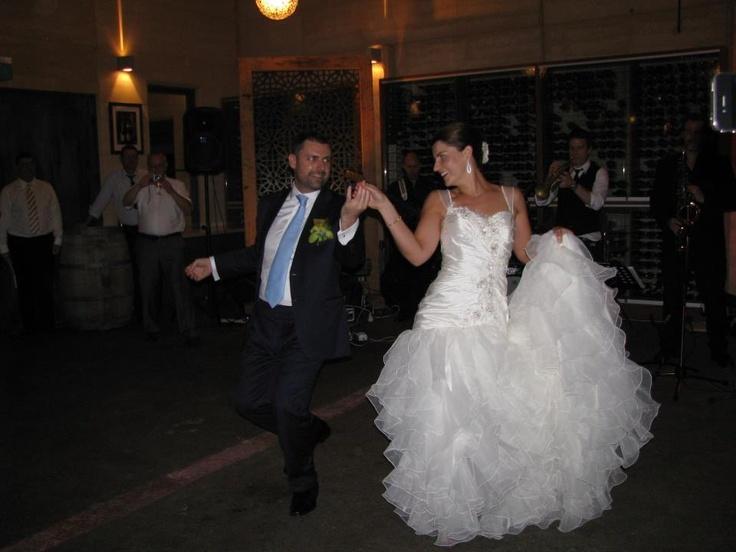 oferta dansul mirilor http://www.stop-and-dance.ro/oferta_dans_miri.html