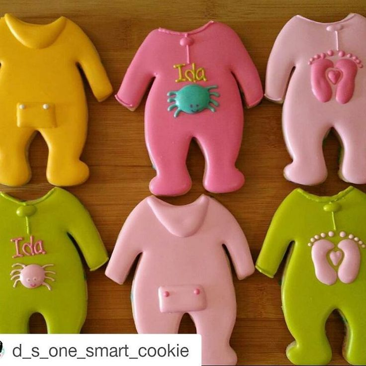 """""""No wonder I can't keep these All-in-one cookie cutters designed by @theitalianbaker_ in stock.  Look at how adorable these cookies by…"""""""