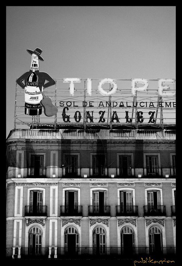 tio pepe | Edificios Puerta del Sol Madrid | Centro Madrid
