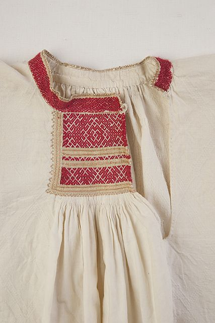 Blouse detail. Embroideries. FolkCostume&Embroidery: rekkopaitaRekko costumes of the Karelian Isthmus and Ingria, former regions of Finland and today national dresses of Finnish Karelian counties