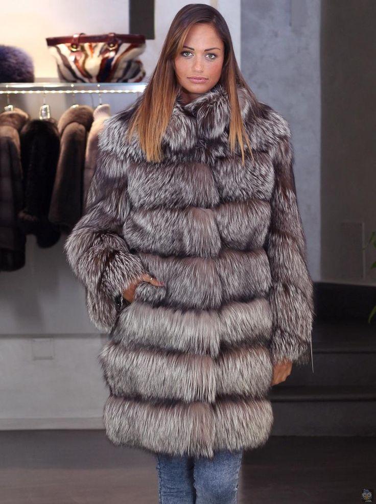 veste en fourrure de renard argenté