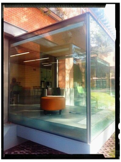 #Biblioteca Eugenio Trias en la antigua Casa de Fieras del Parque del #Retiro, Madrid. #España