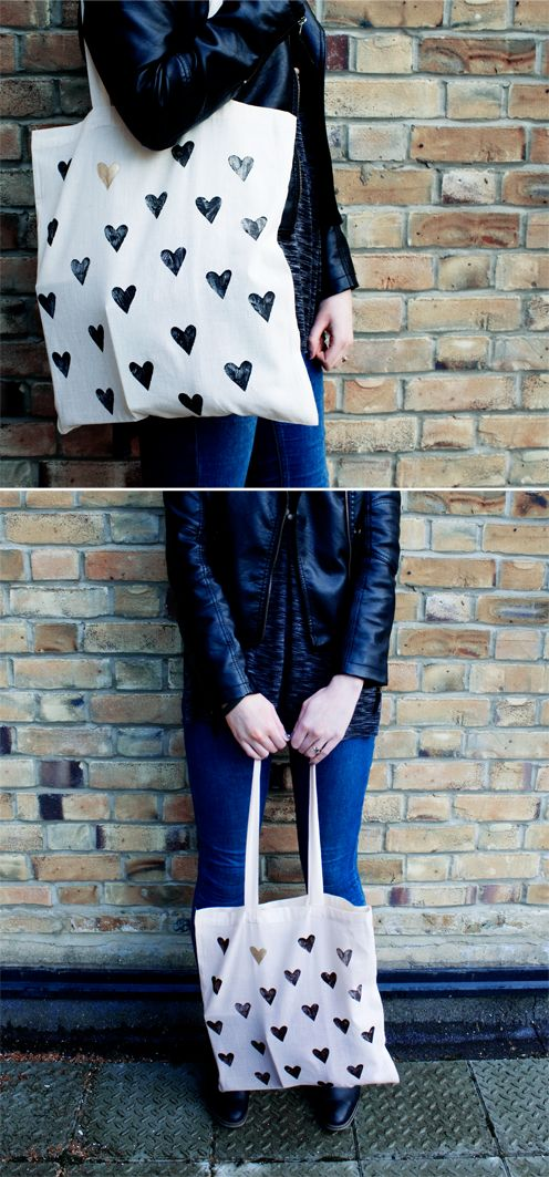 10 Cute Tote Bag Designs to Stamp this Summer - stencilled heart bag #totebag #printing #summersewing