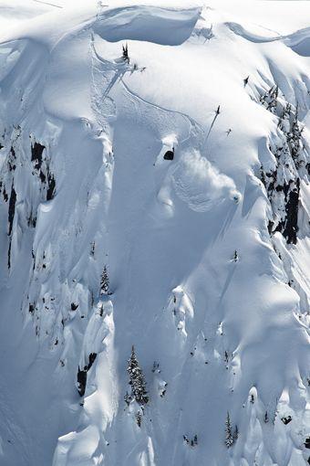 First tracks – Romaine de Marchi    #snowboarding