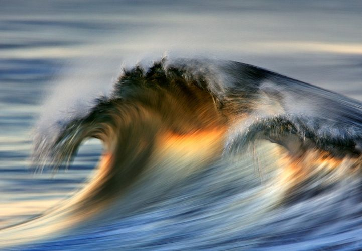 Gorgeous Long-Exposure Photographs of Golden Waves - My Modern Metropolis