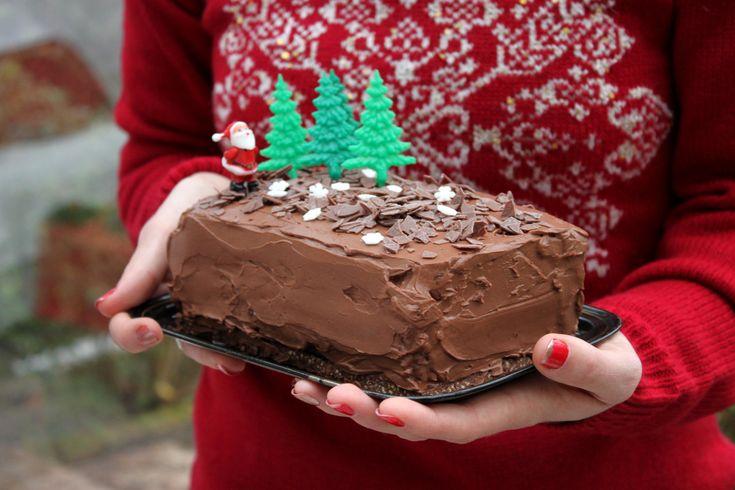 Bûche Facile au Chocolat Noir, Ganache et Croustillant Praliné {vegan, option sans gluten}