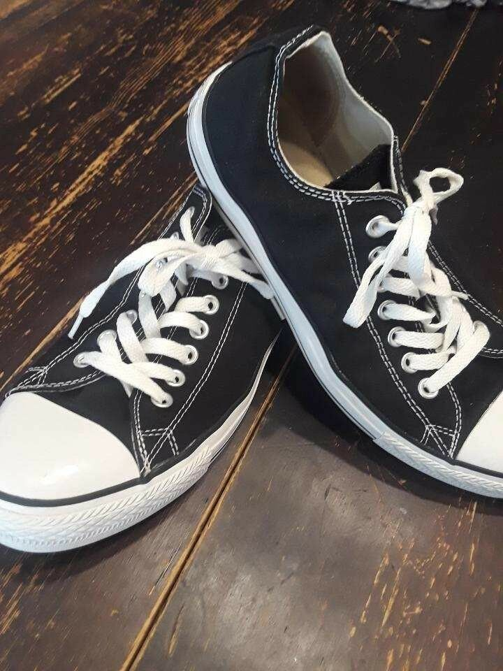 Converse Black Size 10 Mens Chucks Low
