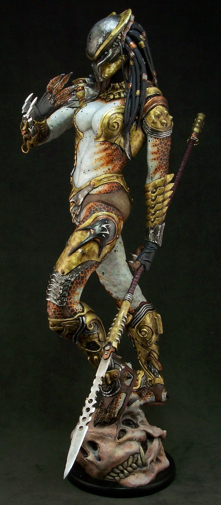Female predator I really love this design and, think it would be fun to recreate. Made by NarinStudios