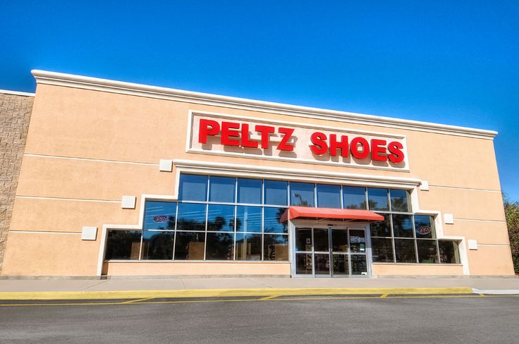 The Brandon area sits just minutes from Tampa, Fl and as a wide array of shopping centers to enjoy. With a huge selection of styles for the entire family, visit our largest Peltz Shoes location near the Brandon Mall!