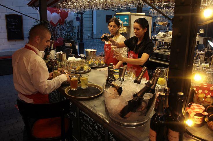 Pest-Buda http://www.pestbudabistro.hu/ | Terasz #budapest #restaurant #pestbuda #restaurantdesign #food