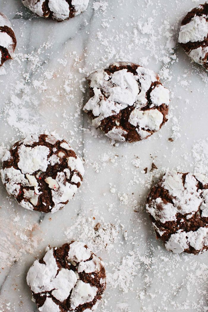 Peppermint chocolate crackle cookies