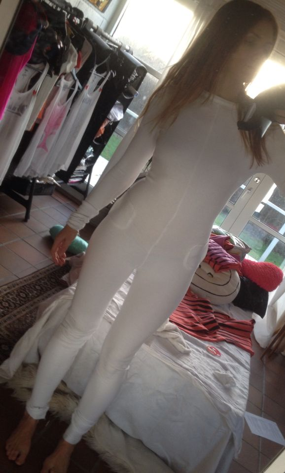 ❤️❤️❤️ White tight tailormade jumpsuit With Heart application, pockets and laces. 222 $ #tailormade#jumpsuit#catsuit#redsuitcase#suitcase#epic#bass#beats#fun#dancemusic#electronicmusic#music#funkmusic#singer#singersongwriter#songwriter##track#song#housemusic#metal#funky#uptempo#techno#rave#party#raveparty#COMPASSION IS ALWAYS #IN #FASHION❤️❤️❤️ Funky house Music tracks made by me and my musical partner coming soon on my site/webshop www.rainbowland.dk ❤️☀️M