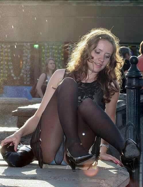 Latina booty tits