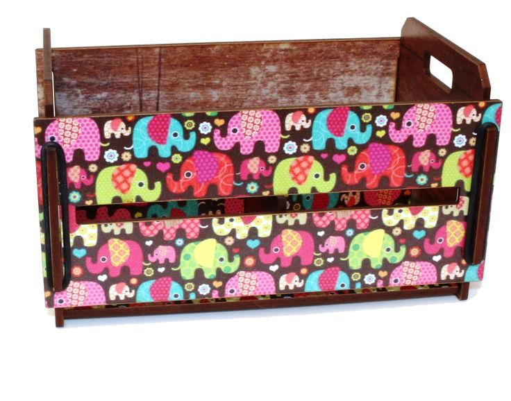 Linda caixa para organizar as coisas, em madeira MDF cortada a Laser e com lindos adesivos, vários tamanhos