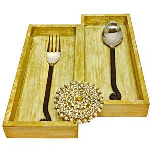 2 Section Cutlery Tray Rs 899/- http://www.tajonline.com/diwali-gifts/product/hbf43/2-section-cutlery-tray/?aff=pint2014/