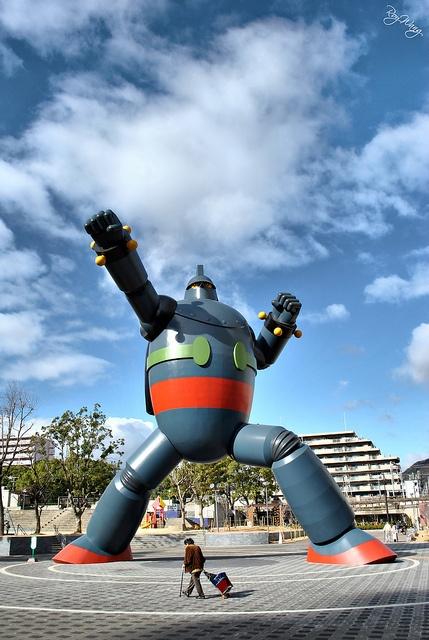 Gigantor in Kobe, Mitsuteru YOKOYAMA, Japan 鉄人28号