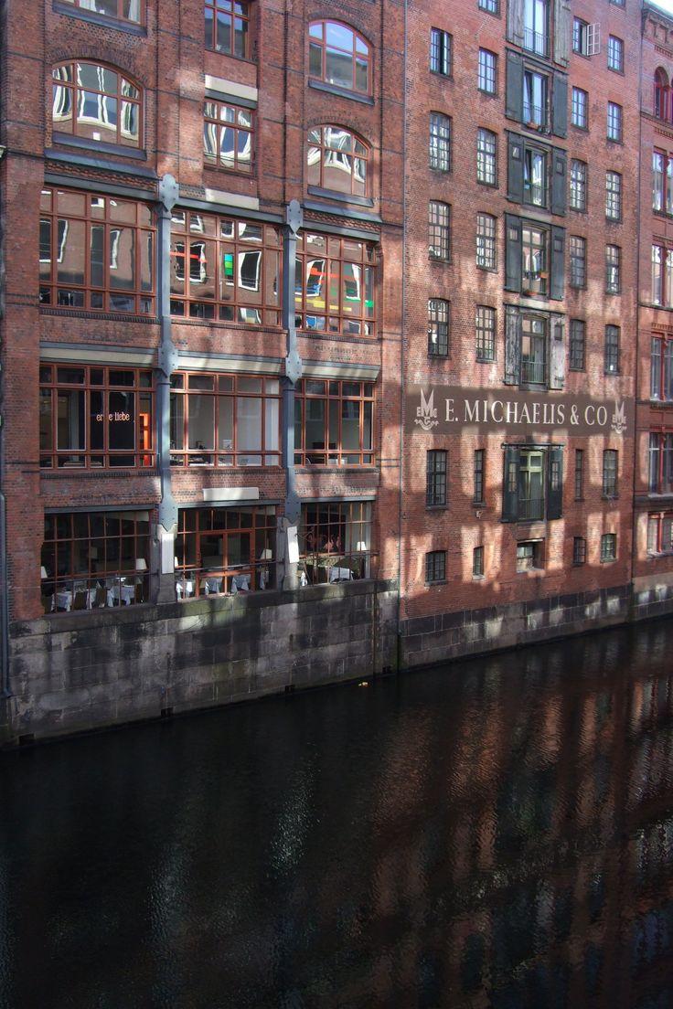 Fleet und ehemalige Speicher nahe des Großneumarkts | Hamburg