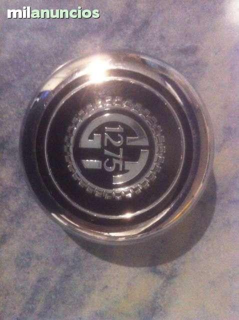MIL ANUNCIOS.COM - Insignias mini. Compra venta de coches clásicos insignias mini. Coches antiguos españoles y americanos.