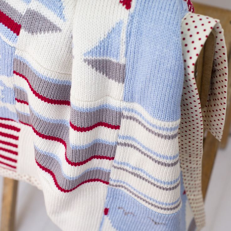 Boats knitted baby blanket   – Products