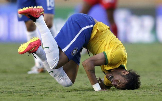"""CM 2014. """"Perle"""", marca TVR, la Cupa Mondială: """"Afară e întuneric bocnă"""" sau """"Jucătorul schimbat îmbracă un flanel"""""""