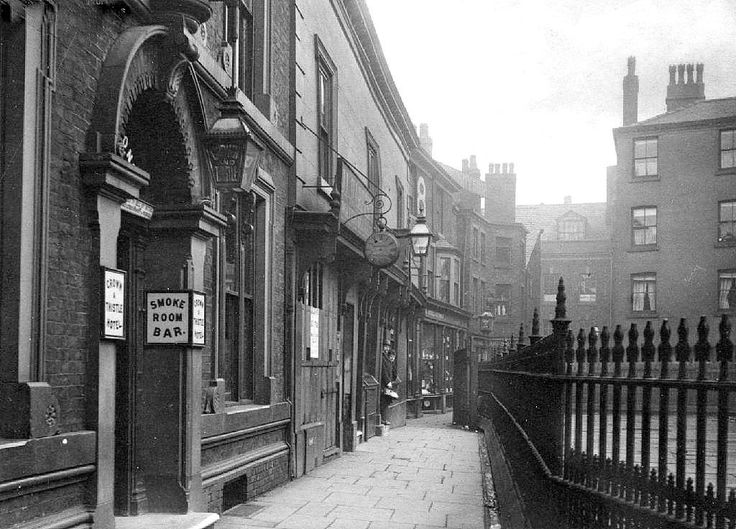 Cathedral Yard Manchester. 1900.