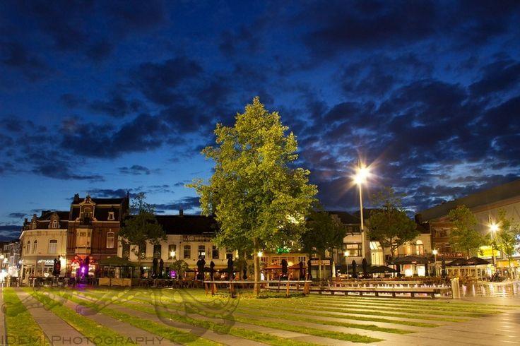 20130812 - Heuvel Tilburg by Night 0026.jpg