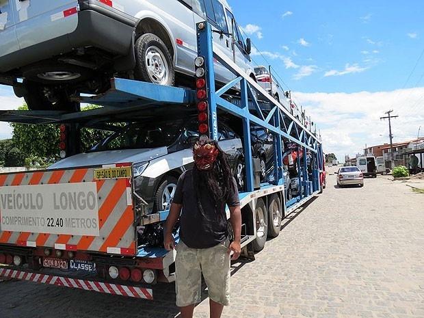 Monstro do Volante: Motorista usando máscara é preso durante feriado prolongado na Bahia (Foto: Divulgação/ PRF)