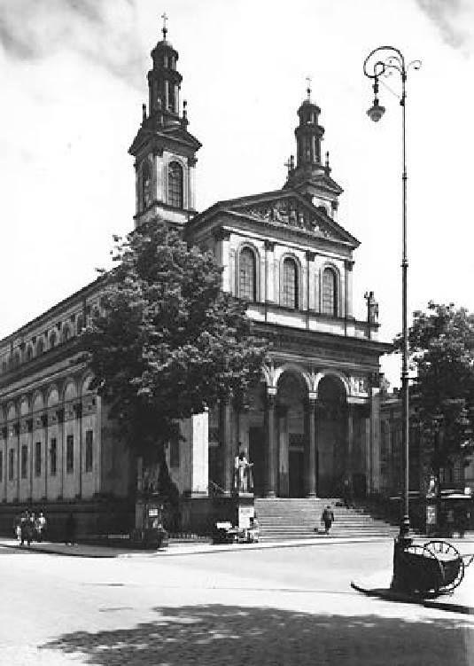 """Chłodna, Kościół p.w. św. Karola Boromeusza fot. przed 1939r., źr. """"Kościoły Warszawy w odbudowie"""""""