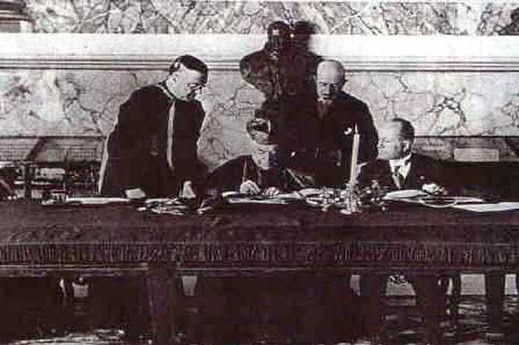Mussolini? Fu o no l'Uomo della Provvidenza per Pio XI? Ni... []www.QuestaChiesaMadre.it]