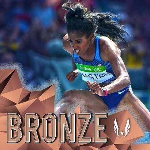 With the lean of her LIFE, Kristi Castlin wins bronze in 12.61!!!! #rio2016 #olympics # #teamusa #track #tracknation #trackandfield #readysetrio #hurdles