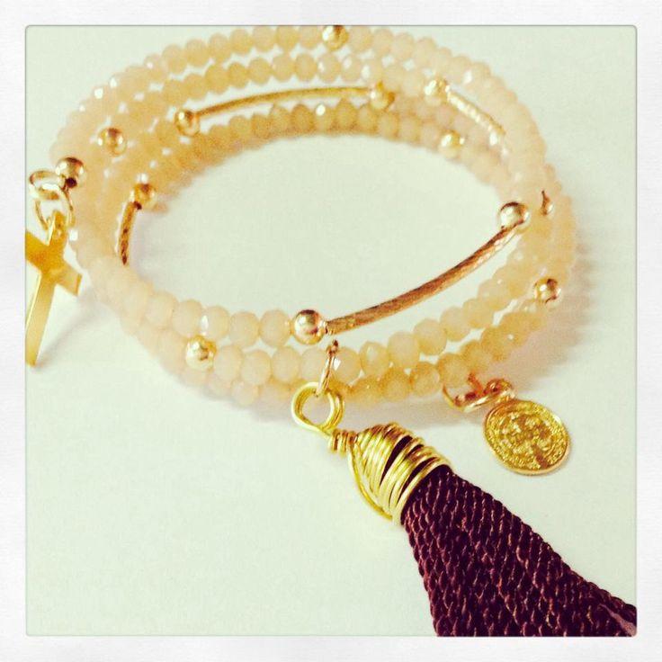 brazalete alambre memoria con detalles en chapa de oro