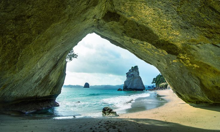 Cathedral Cove Travel Guide