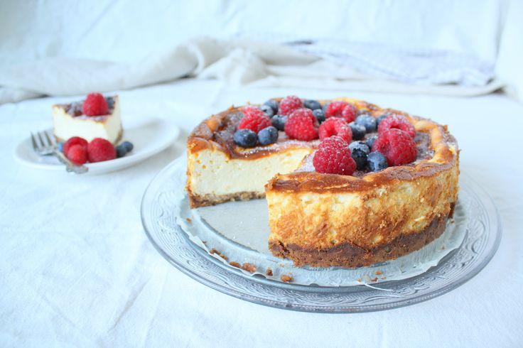 Deze week heb ik voor de cheesecake gekozen! Ik wilde graag weer een heerlijk gebakje maken om mee te nemen. Op zomerse dagen als deze hou ik er van om buiten te eten, en het liefst in het park. Ik…