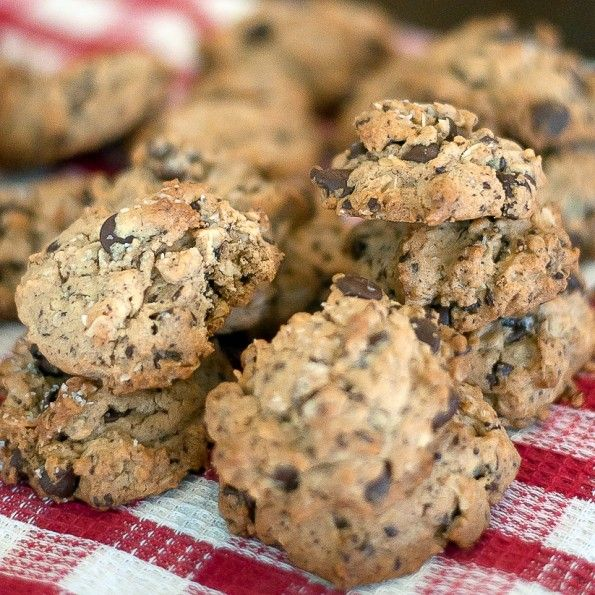 Oatmeal Peanut Butter Chocolate Chip Cookies from amuseinmykitchen.com  This recipe is a keeper!
