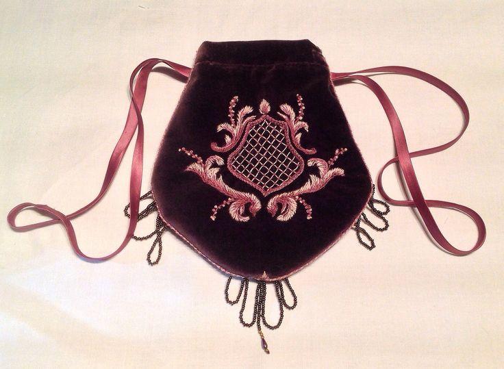 borsetta 1800 in velluto con ricamo bandera