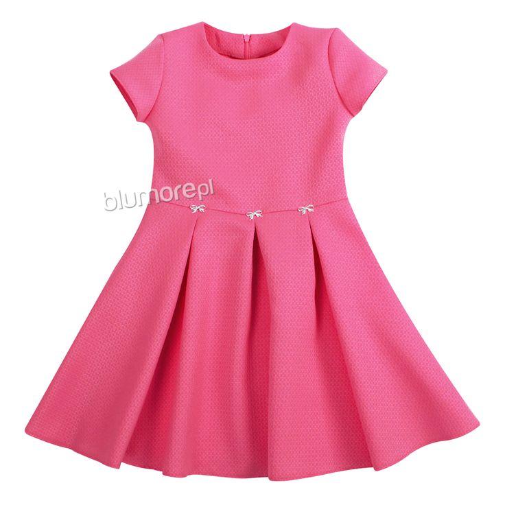 Piękna i efektowna sukienka dla każdej dziewczynki! Wykonana z wysokogatunkowej tkaniny, dół rozłożysty — pięknie się układa. Polecamy na wiele okazji! | Cena: 89,90 zł