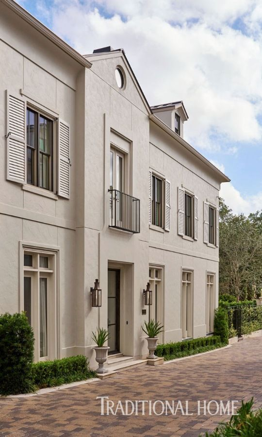 278 best exquisite exteriors images on pinterest italian for Beautiful homes in houston