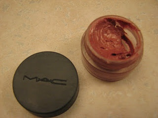 Vaseline + Lipstick = DIY Lipgloss  I think I might have to try this.
