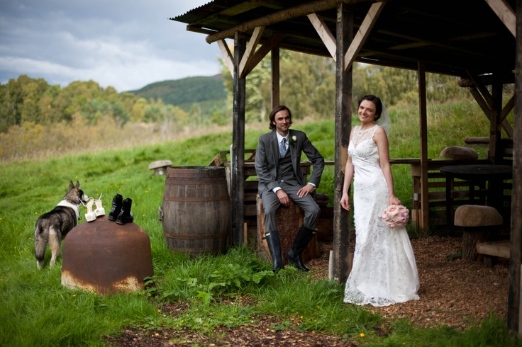Gorgeous outdoor wedding!  Photo by Helen Abrahams