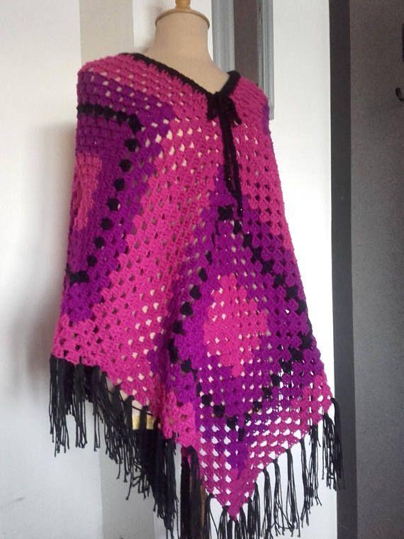 Châle  poncho fait main  crochet couleur violet / rose