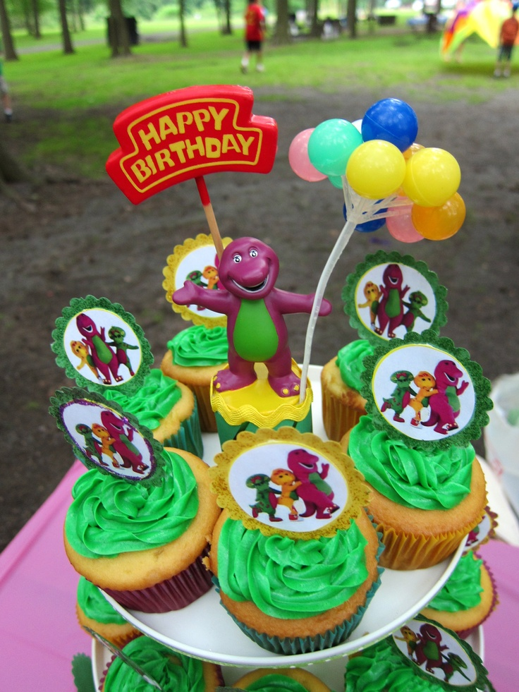 Barney party - cupcakes.