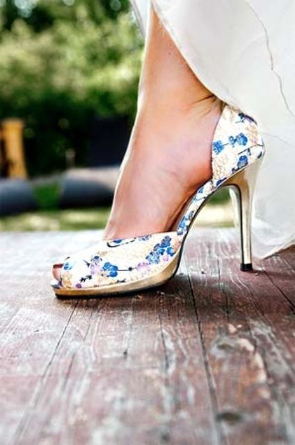 Wedding shoes blue floral print #Shabby Chic Wedding ... Wedding ideas for brides & bridesmaids, grooms & groomsmen, parents & planners ... https://itunes.apple.com/us/app/the-gold-wedding-planner/id498112599?ls=1=8 … plus how to organise an entire wedding, without overspending ♥ The Gold Wedding Planner iPhone App ♥