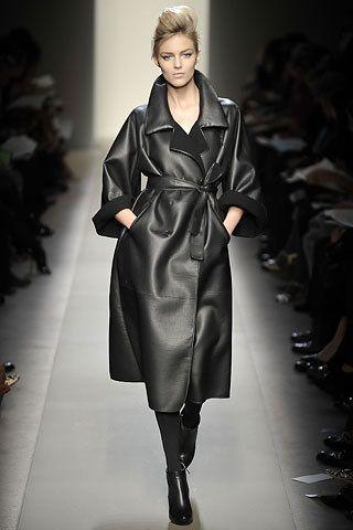 flight Veneta ray Bottega   Ready to Wear Vogue      Fall allen Photos Collection jordan a