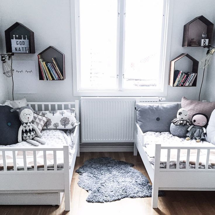 Small Shared Rooms for Two http://petitandsmall.com/small-shared-rooms-two/