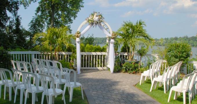 Long Island Wedding Gift Etiquette : ... Club Estate on Pinterest Lakes, Beach wedding favors and Wedding