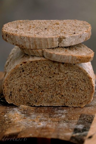 Wieloziarnisty chleb na zakwasie