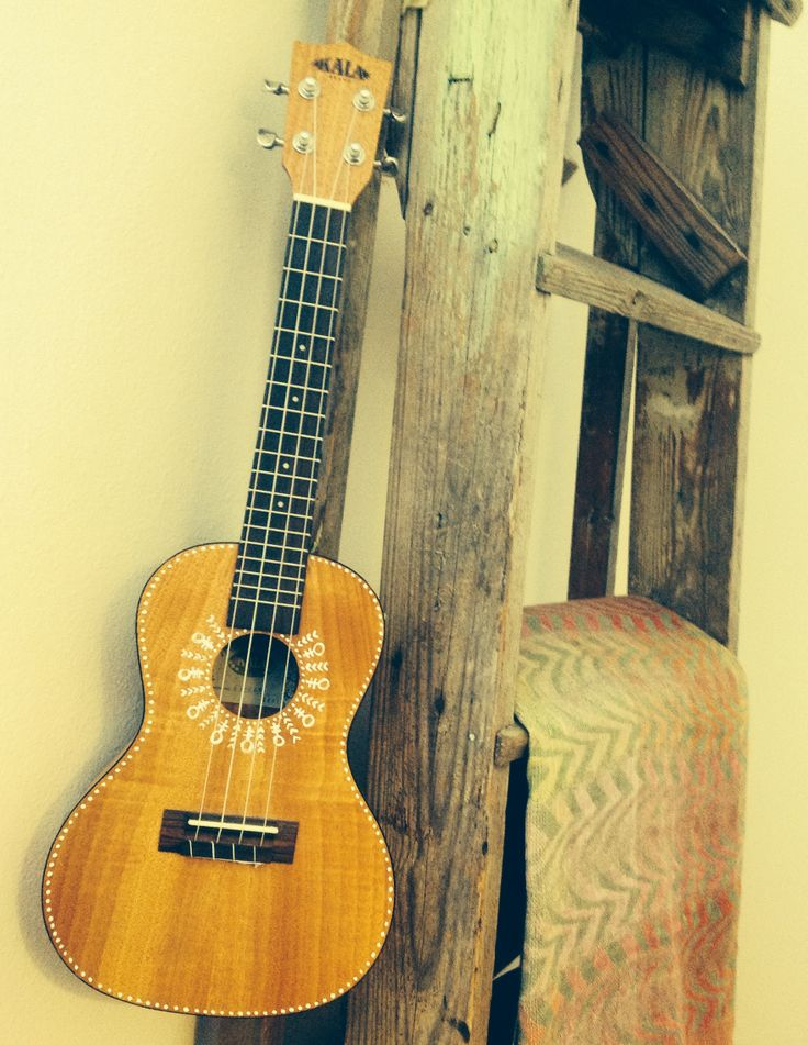 102 best images about cool ukuleles on pinterest luna for Decoration ukulele